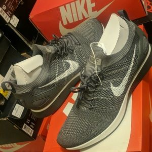 Nike fly knit racers